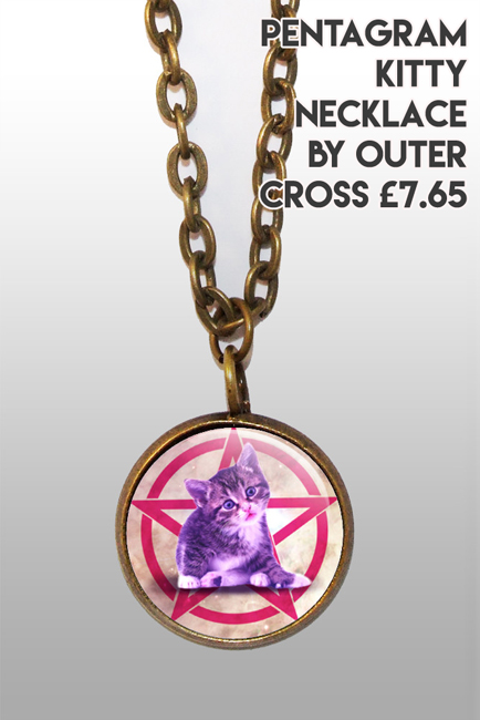 Alternative Xmas - Pentacat necklace : Alt Fashion